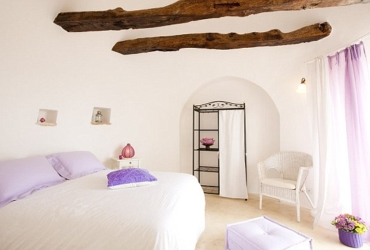 Beautiful spacious room with double bed and exposed beams