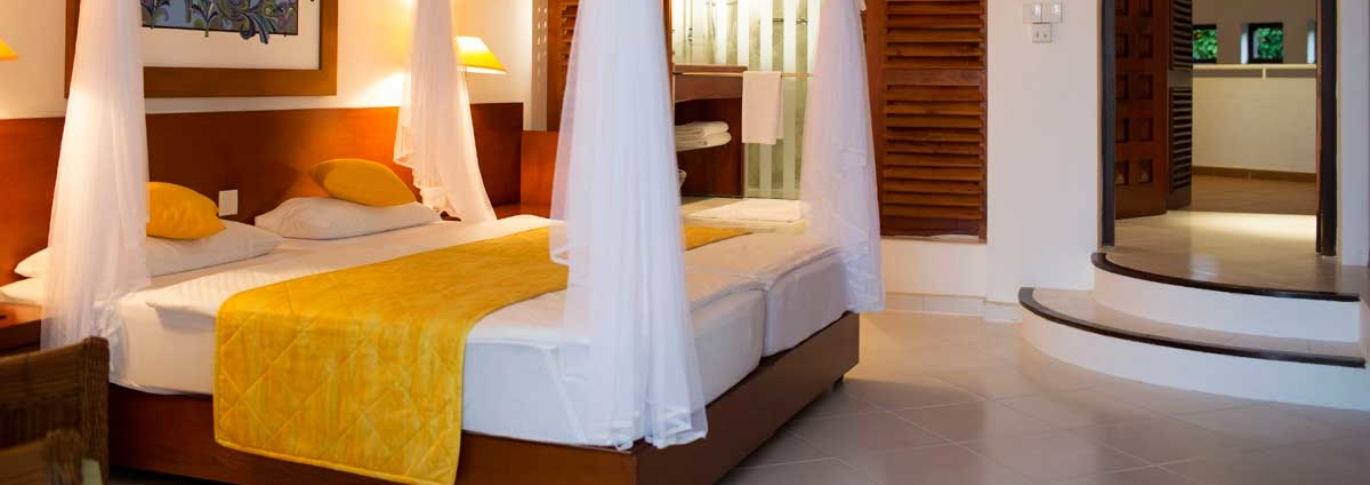 Suite bedroom at Lanka Princess
